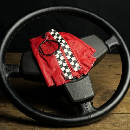 DRIVING MITTENS - LEATHER - RED CHECKERED