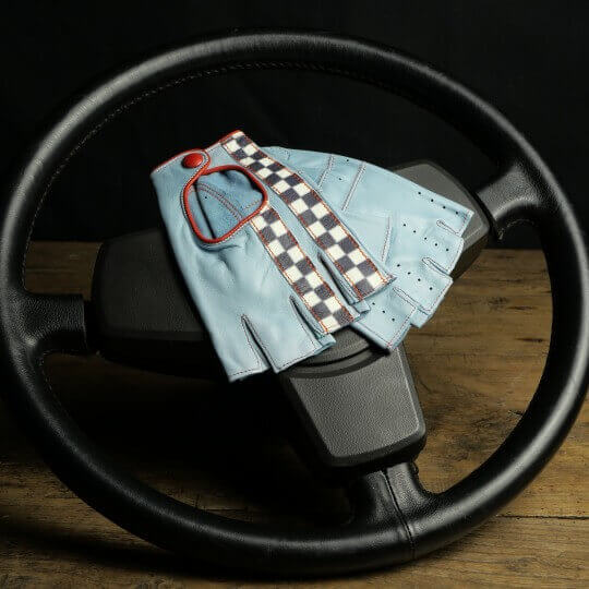 DRIVING MITTENS - LEATHER - SKY BLUE CHECKERED