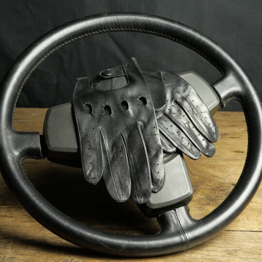 DRIVING GLOVES - LEATHER - BLACK
