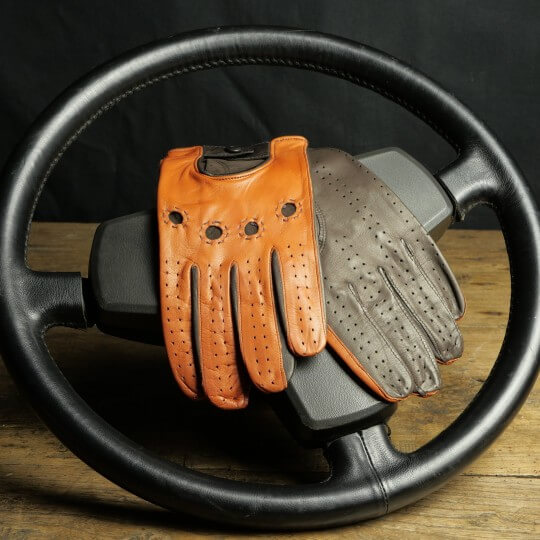 DRIVING GLOVES - LEATHER - TWO-TONE BROWN AND TOBACCO