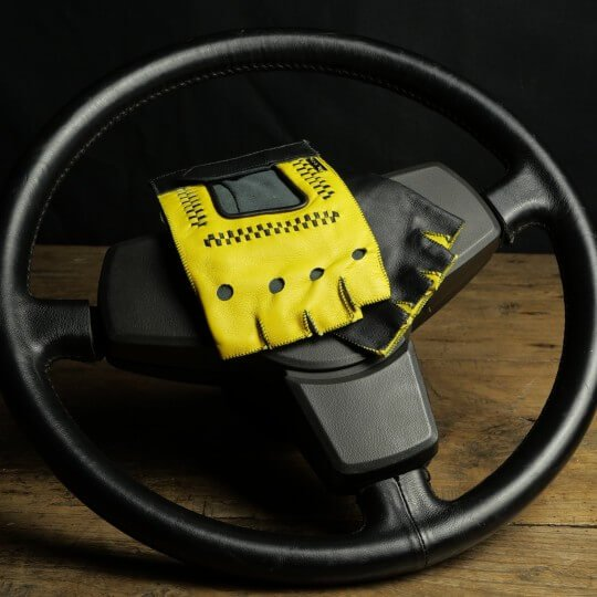 DRIVING MITTENS - LEATHER - YELLOW AND BLACK