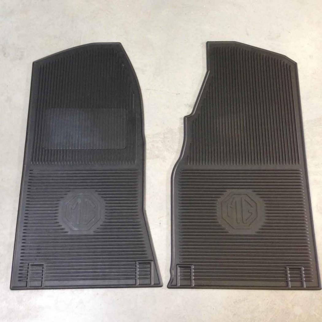 Tapis de sol en caoutchouc pour MGB avant 69 logo MG