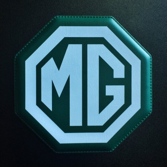 Under glass MG green